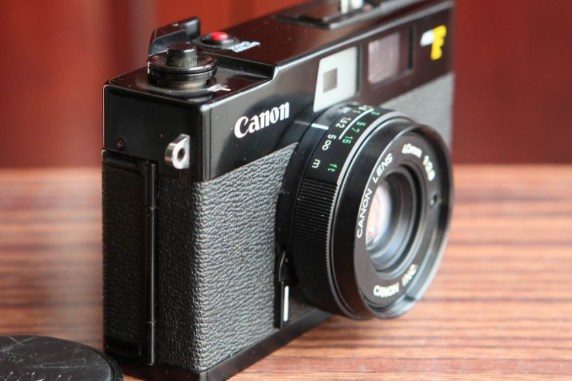 佳能胶片相机推荐?佳能AE-1胶片相机怎么安装胶卷?-1