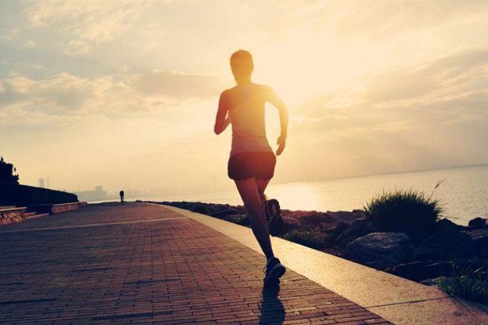 害怕跑步伤膝盖?这些跑步装备和方法你需要知道-2