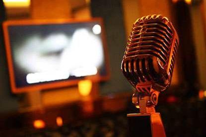 KTV唱歌为什么有时话筒会发出刺耳的啸叫声-1
