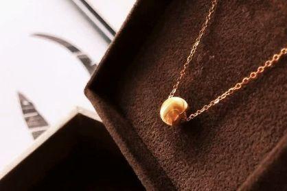 六福珠宝项链价格?六福珠宝锁骨链是什么材质?-1