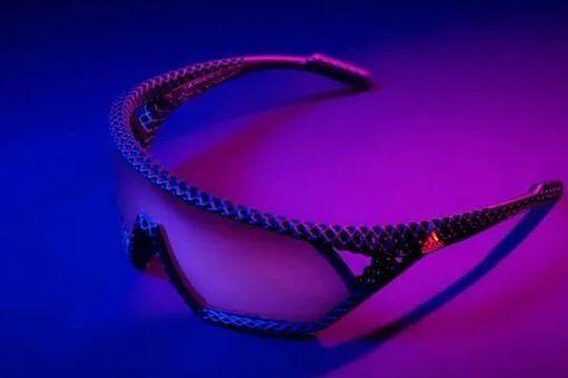 adidas 推出 3D CMPT 限量版太阳镜,且用3D打印技术制作-1